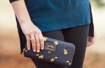 《精灵宝可梦》皮卡丘主题钱包挎包和背包上市