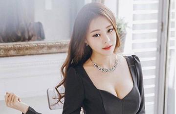 韩国知名模特金敏英火辣写真